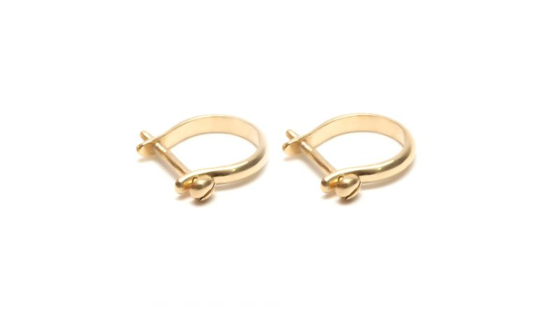 Shackle earring
